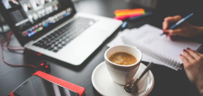 cafe-mesa-organizar-as-financas